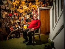 De bijzondere hoedencollectie van Koen de Haan: 'We hebben ze nooit in de toeristenshops gekocht'