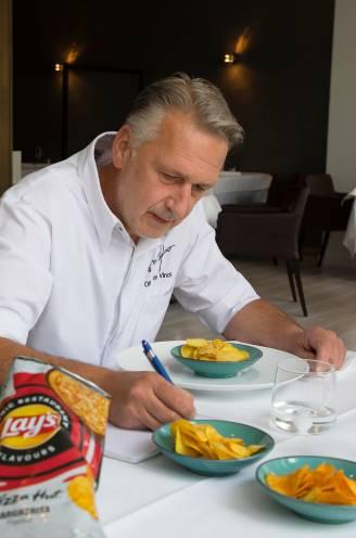 """Sterrenchef test chips met de smaak van Subway, KFC en Pizza Hut: """"Door de chips tegelijk met de kip in de mond te steken, krijg je het krokante effect terug"""""""