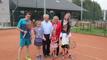 Tennisclub Sportina opent nieuwe kantine met vergaderzaal