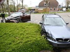 BMW tijdens proefrit in de prak gereden door botsing in Harmelen