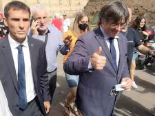Libéré, Carles Puigdemont s'offre un bain de foule en Sardaigne catalane avant de rentrer en Belgique