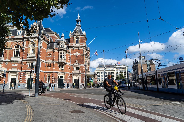 Het Leidseplein: fietsers en voetgangers krijgen daar nu alle ruimte. Beeld Birgit Bijl