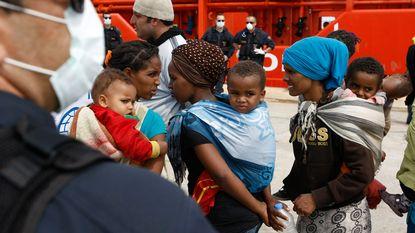 EU roept Italië op havens niet af te sluiten voor migranten