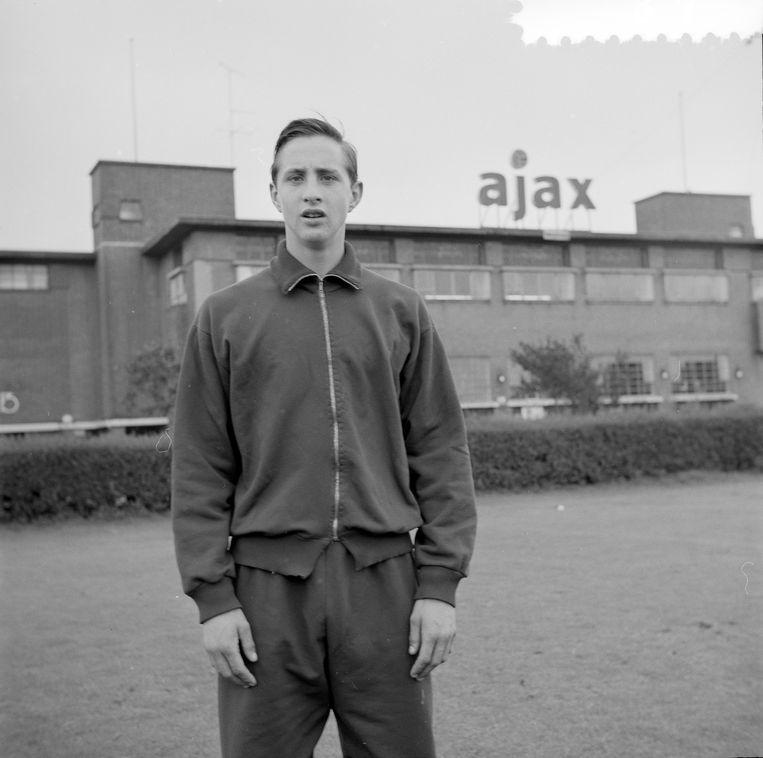 Johan Cruijff groeide in De Meer uit van het straatschoffie uit Betondorp tot de beste voetballer van Nederland. Beeld ANP