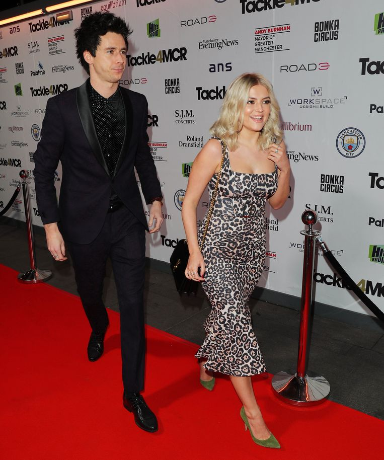 Lucy Fallon en Tom Leach.