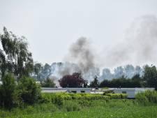 Stacaravans beschadigd bij brand op vakantiepark, angst voor ontploffingen
