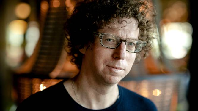 Arnon Grunberg reikt eerste Holocaust Literatuurprijs uit aan Guida Joseph