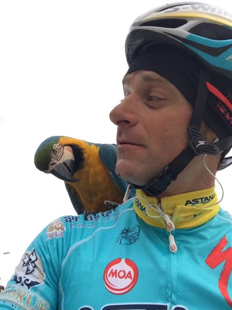 Scarponi en Frankje zijn papegaai