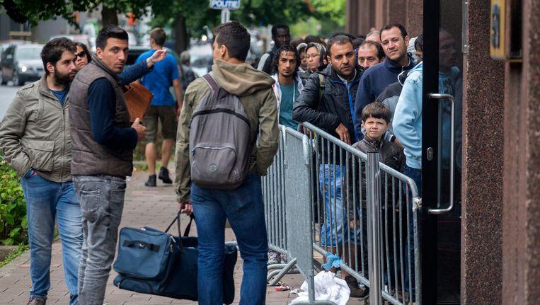 280 asielzoekers konden vandaag geen aanvraag doen bij de Dienst Vreemdelingenzaken.