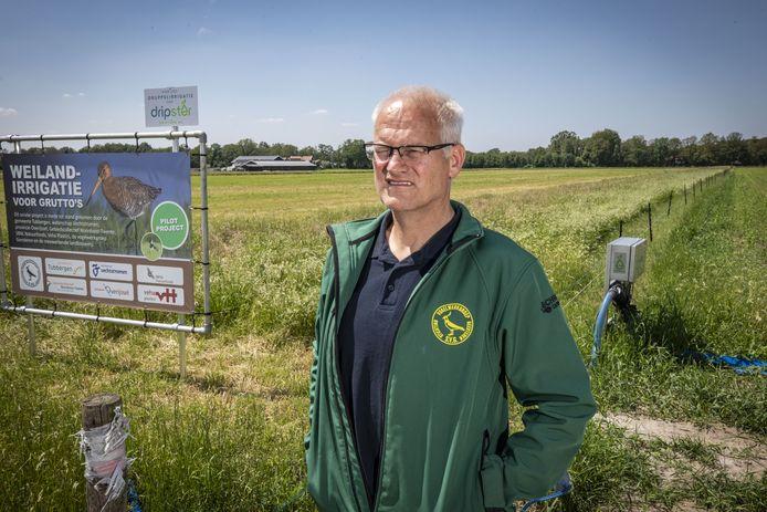 Voorzitter Hennie Schröder van de Vogelwerkgroep Geesteren.