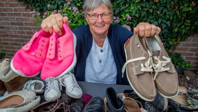 Zorgmedewerkers protesteren met ludieke actie: 'Willen anderen in onze schoenen staan?'