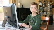 """Arthur (12) laat creativiteit vrije loop nu de school dicht is en schrijft boek: """"Marc de Bel stuurde mij tips en felicitaties"""""""