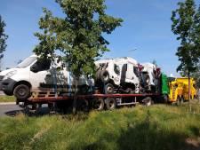 Truck met oude wagens schuurt tegen plafond Waaslandtunnel en veroorzaakt stofwolk