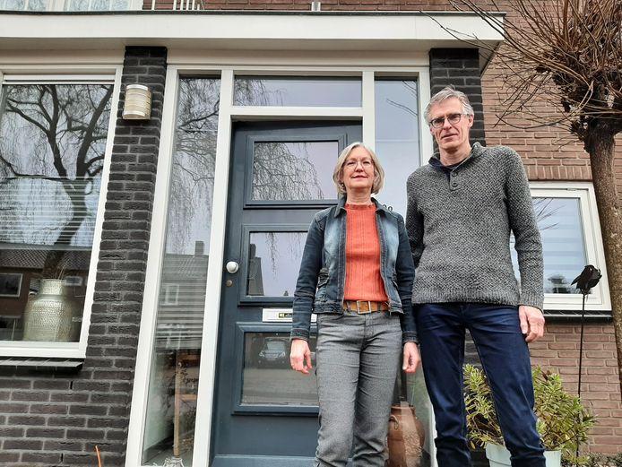 Erik Wilbrink en Mariëlle van de Ven gaan, net als 89 andere huishoudens, hun woning in Berkum verduurzamen.