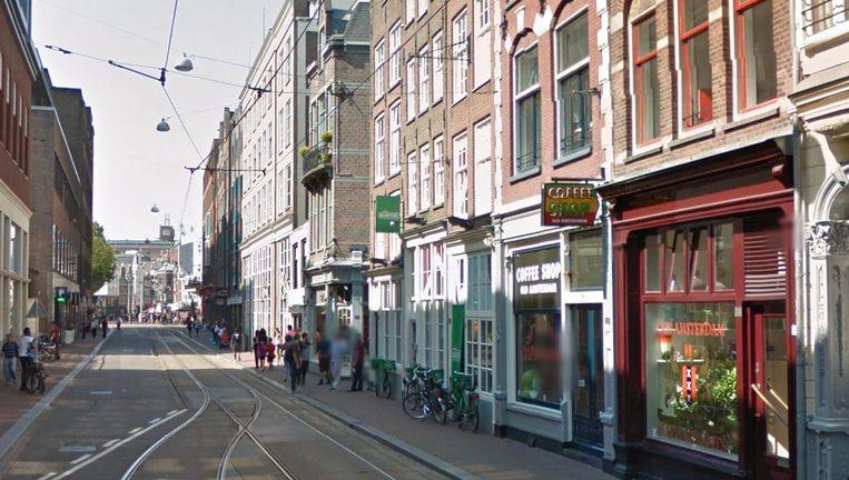 Het steekincident gebeurde in de Amstelstraat. Beeld Google Streetview