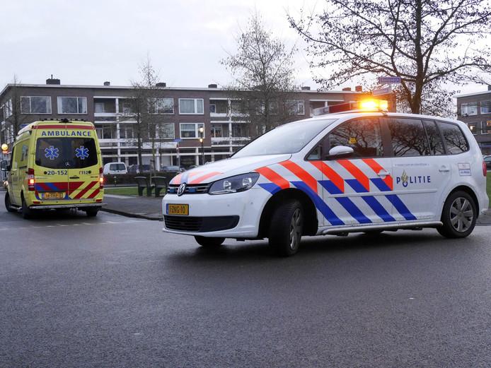 Een fietser die aangereden werd in Breda moest naar het ziekenhuis gebracht worden.