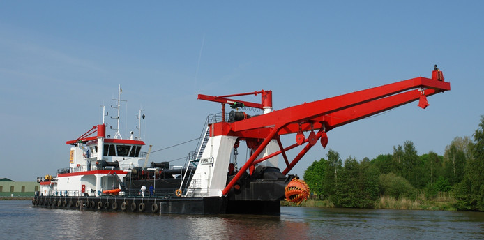 Het baggerschip, dat eind deze week richting Nigeria gaat.