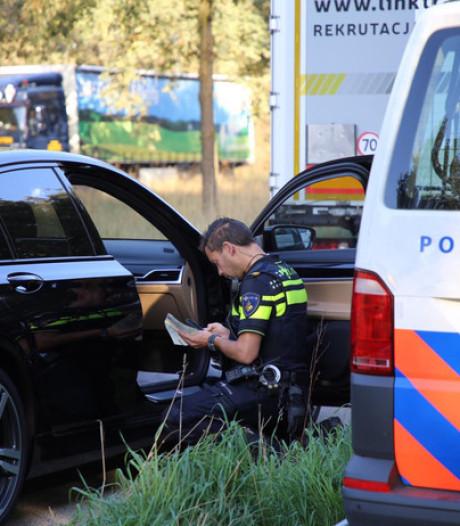 Bijna 100 bekeuringen en 1 auto in beslag genomen bij grootscheepse verkeerscontrole A67