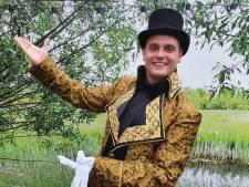 Droom van 24-jarige Jarno uit Coevorden gaat in vervulling: hij is de nieuwe spreekstalmeester van Kerstcircus Haarlem