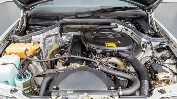 De Mercedes 230 E uit 1987