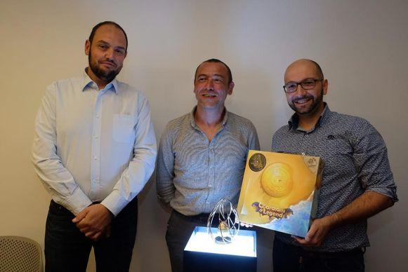 Juwelenmakers Olivier Gangi en Cédric Sansen samen met Vincenzo Bianca, co-auteur van het spel.