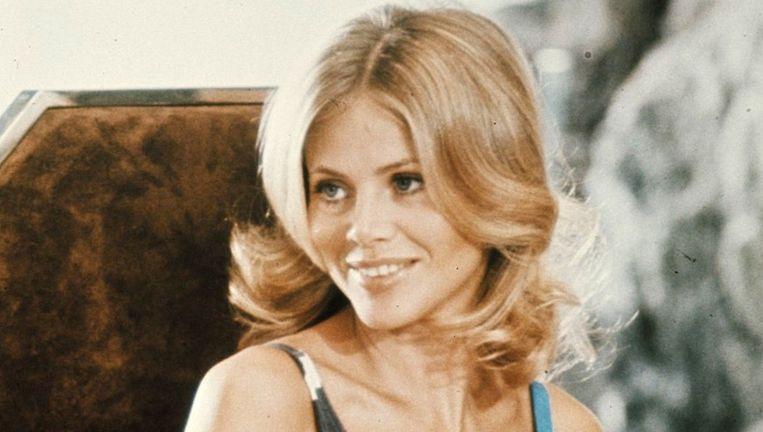 Britt Ekland als Mary Goodnight in The man with golden gun (1974) Beeld