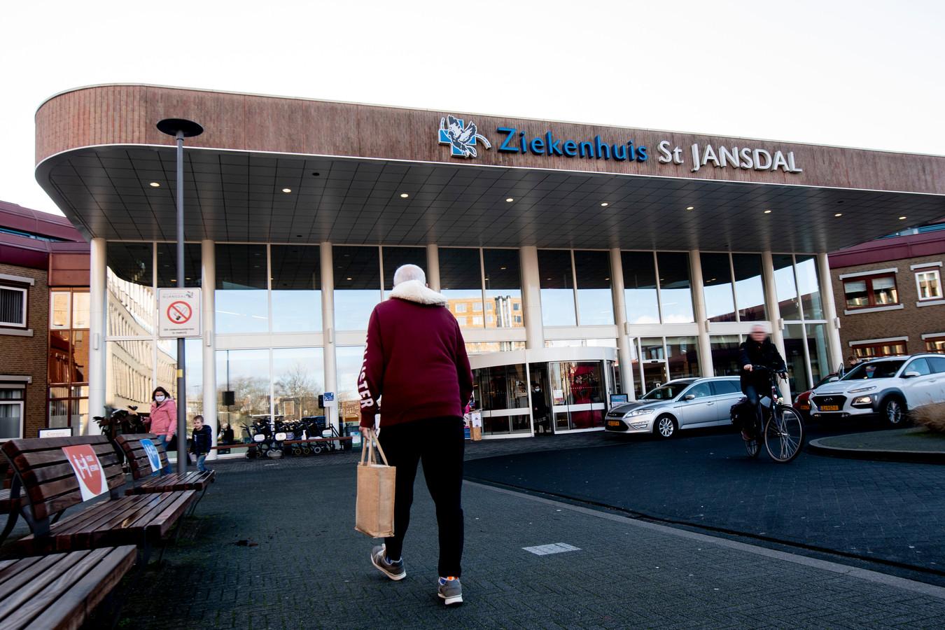 Ziekenhuis St Jansdal in Harderwijk vraagt kerken per brief om diensten alleen nog online te vieren.