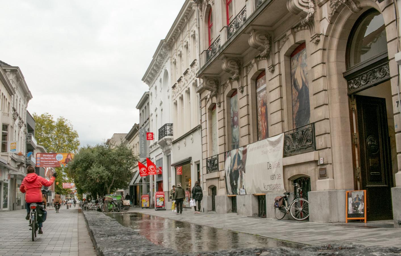 De Salons in de Stationsstraat.