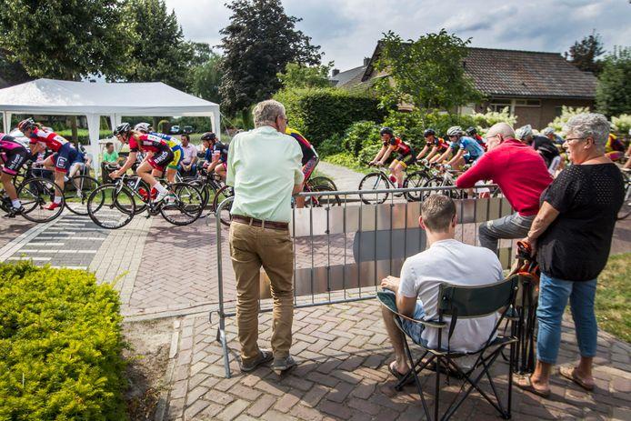 De Ronde van Duizel kan steevast rekenen op veel belangstelling. Vanavond vindt de zestigste editie plaats.