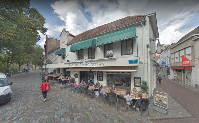 Restaurant De Steenen Brug aan de Keizersdijk in Goes.