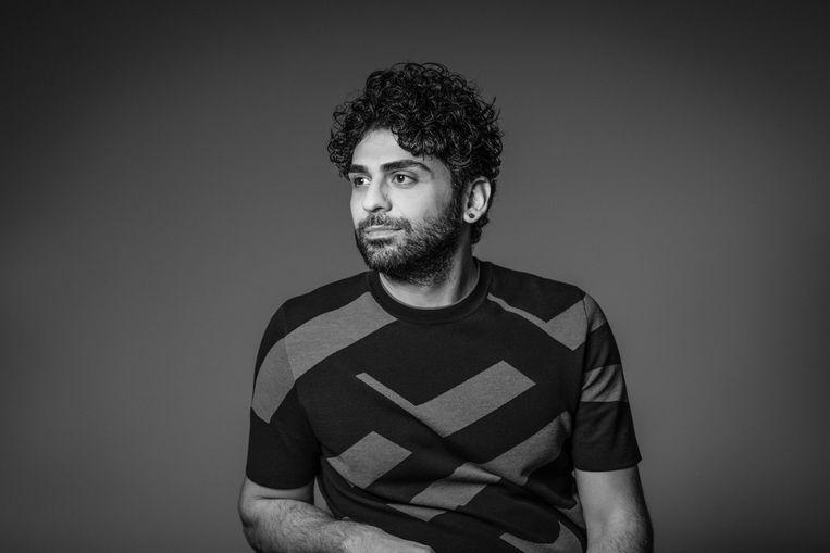 Kaweh Modiri persportret, regisseur Mitra   Beeld Geert Broertjes