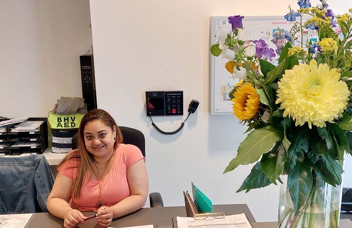 Astrid Jahangier, receptioniste, is letterlijk medewerkster van het eerste uur.