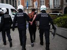Interpellation choquante d'un adolescent, genou sur la nuque, après la manif BLM à Bruxelles