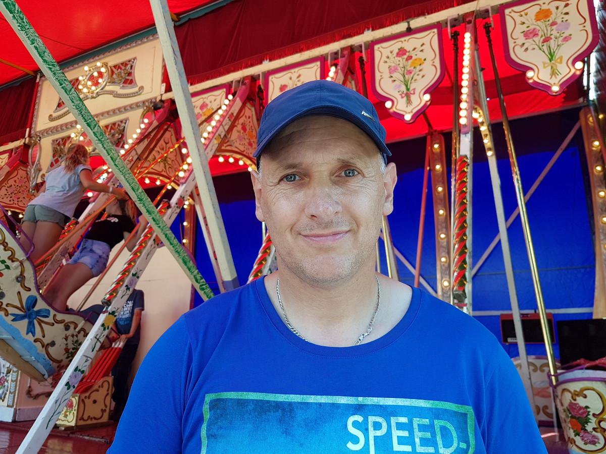 Nico Leander, eigenaar van de luchtschommels.