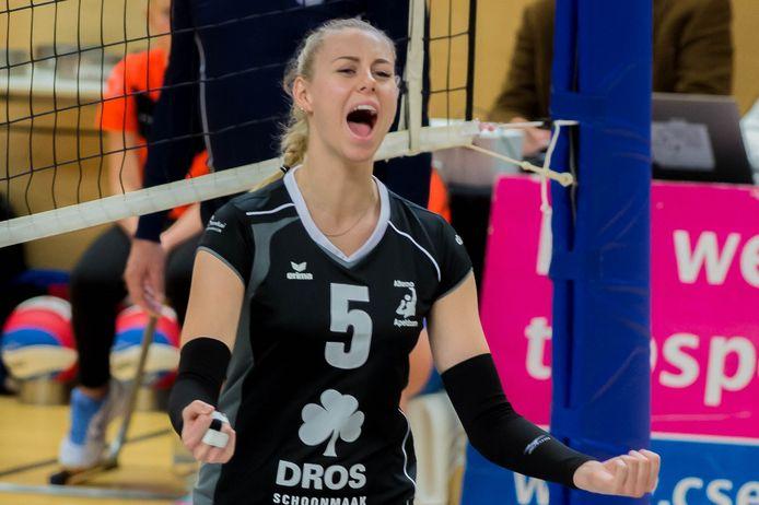 Lisa Nobel vertrekt bij Alterno. De 19-jarige passer/loper is bezig aan haar tweede seizoen in de Apeldoornse hoofdmacht.