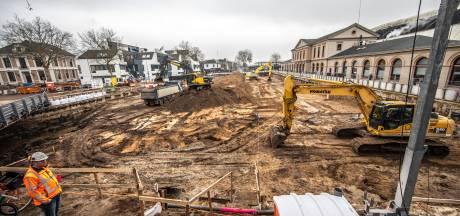 Hoe vieze grond de fietsenkelder bij station Zwolle miljoenen duurder maakt