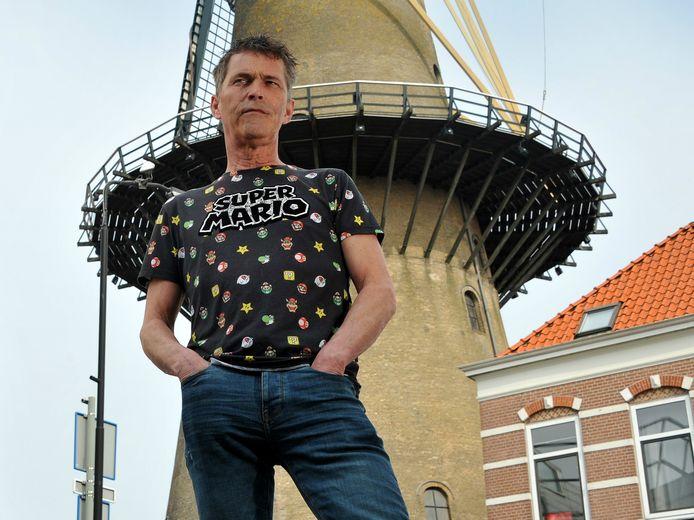 Peter M. van der Linden.