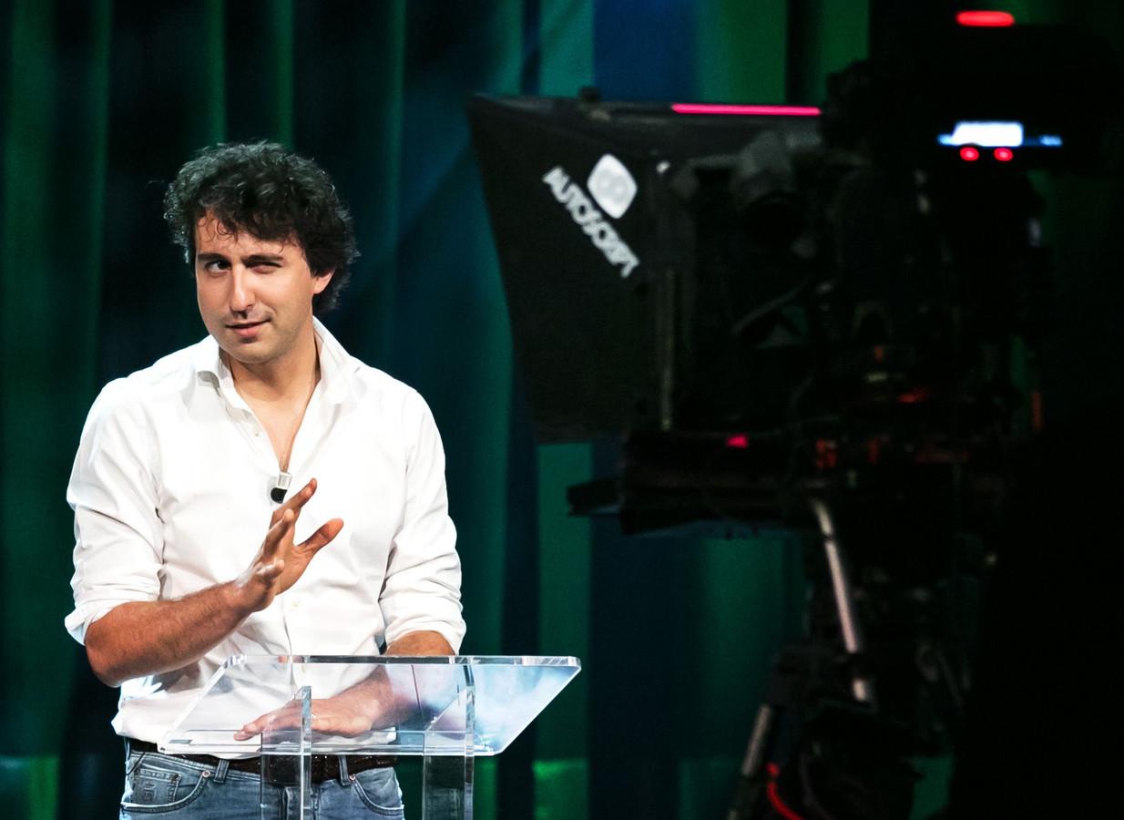 GroenLinks-leider Jesse Klaver op het online partijcongres in de Melkweg in Amsterdam, waar in juni 2020 de motie over het basisinkomen werd aangenomen.