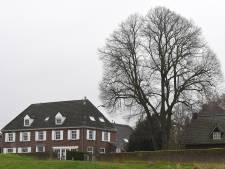 Familie Roovers gooit handdoek in ring: voormalig Maashotel staat te koop