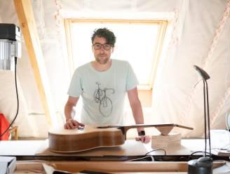 """Puursenaar wordt instrumentenbouwer: """"Het moment waarop die eerste noten uit een gitaar komen, is magisch"""""""