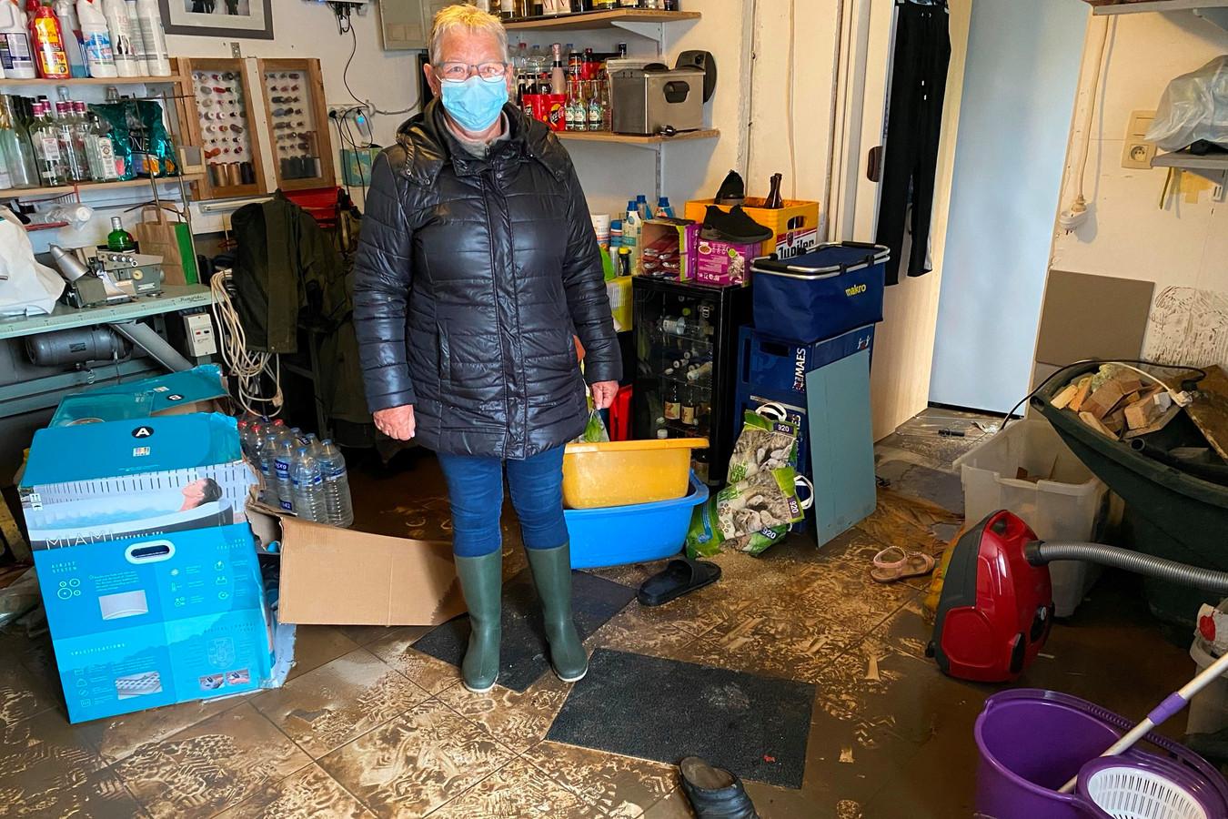 Rita Marckx uit de Paddestraat is ten einde raad wat betreft de steeds terugkerende wateroverlast in de straat.