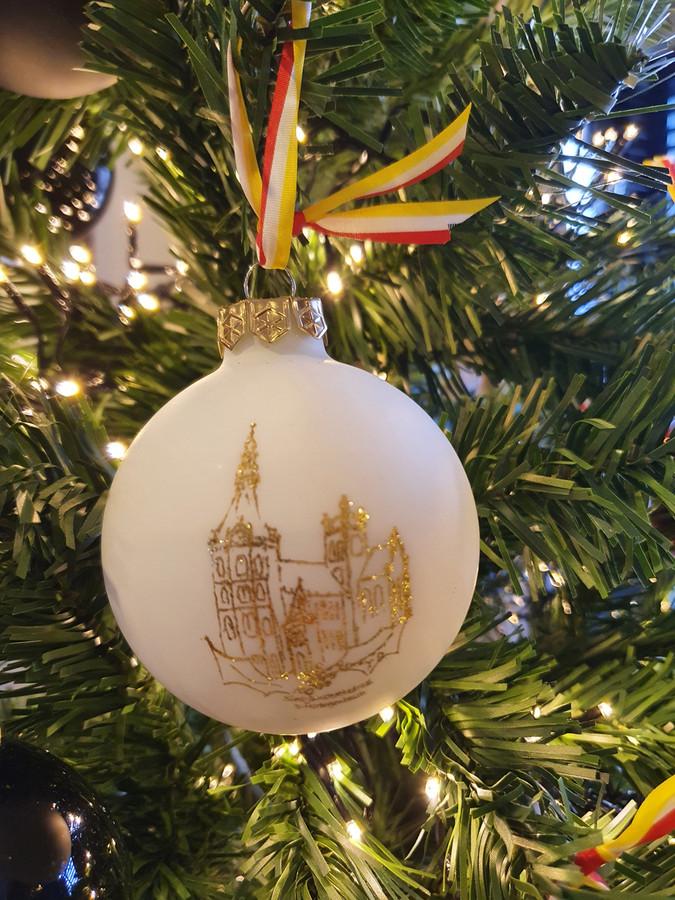 De Sint-Jan op een kerstbal