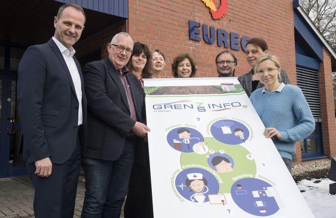 De medewerkers van het GrensInfoPunt krijgen veel vragen over de nieuwe coronaregel in Duitsland.
