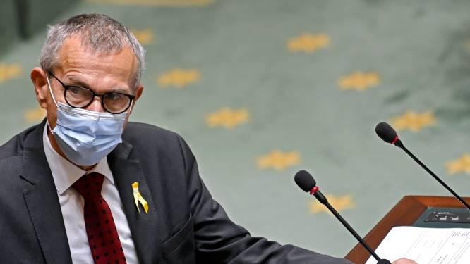 """Vandenbroucke wil ook apothekers coronavaccin laten toedienen, artsen noemen zijn voorstel """"een regelrechte kaakslag"""""""