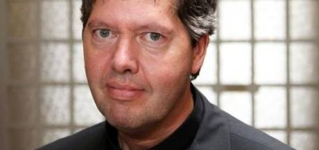 Hulpbisschop Rob Mutsaerts haalt hard uit naar paus: 'dictatoriaal en onbarmhartig'