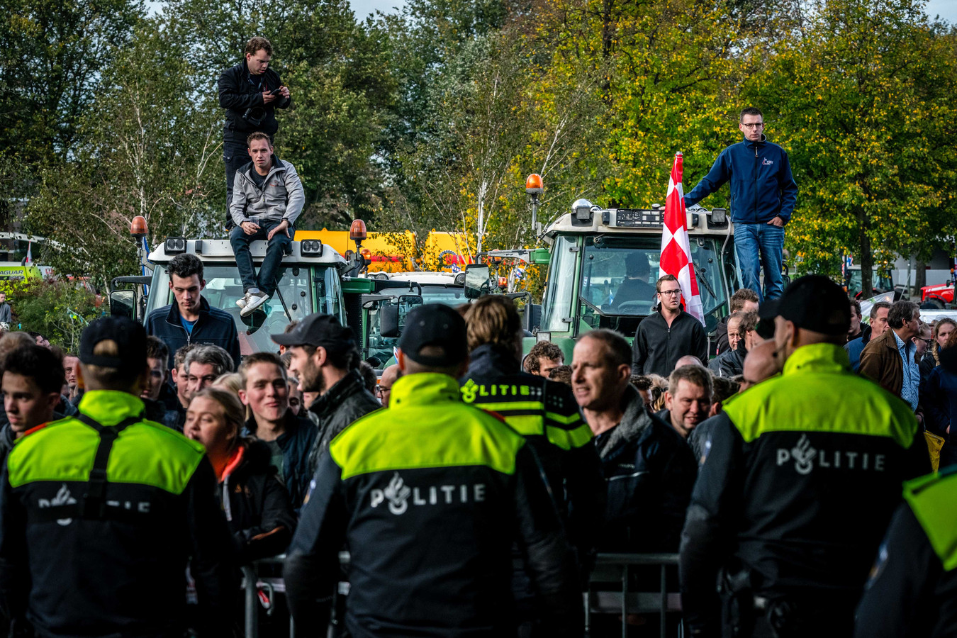 Actiegroep Farmers Defence Force (FDF) bereidt een grote, landelijke blokkade voor die de complete voedselvoorziening in Nederland moet lamleggen.