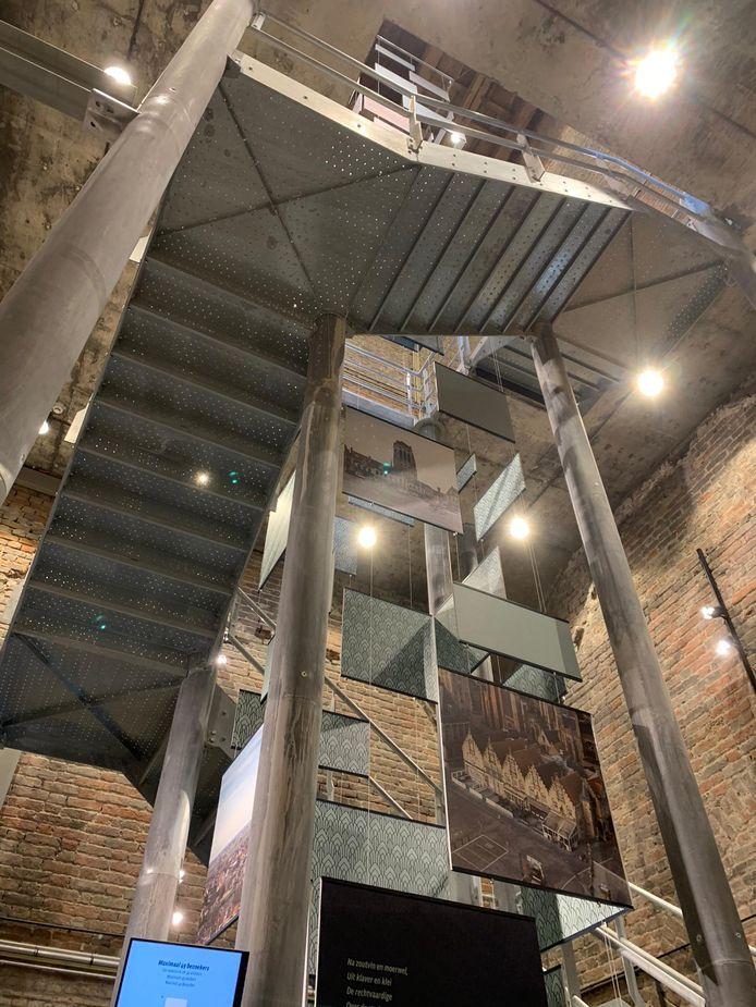Zo is de toren vanbinnen toegankelijk gemaakt.