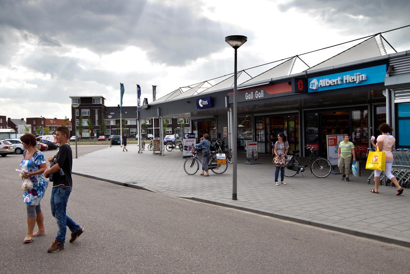 Het tijdelijke winkelcentrum  in de Groote Wielen gaat tot het verleden behoren.