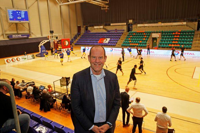 Jan Hofstede, de actieve en participerende sponsor van Feyenoord Basketball.