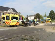 Meisje op fiets steekt plots over, bestuurder motorscooter remt en wordt aangereden